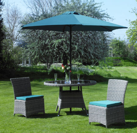 Everlast Parasol Green with Chairs